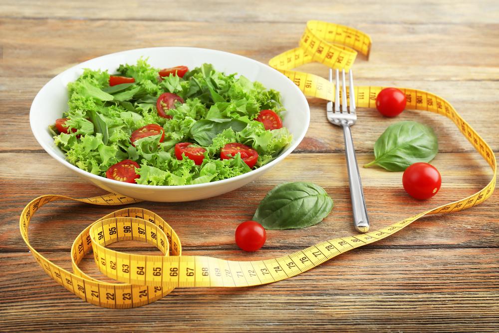 何も食べずに速く体重を減らす方法